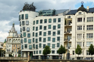<strong>Dancing House<span><b>in</b>  </strong><i>→</i>